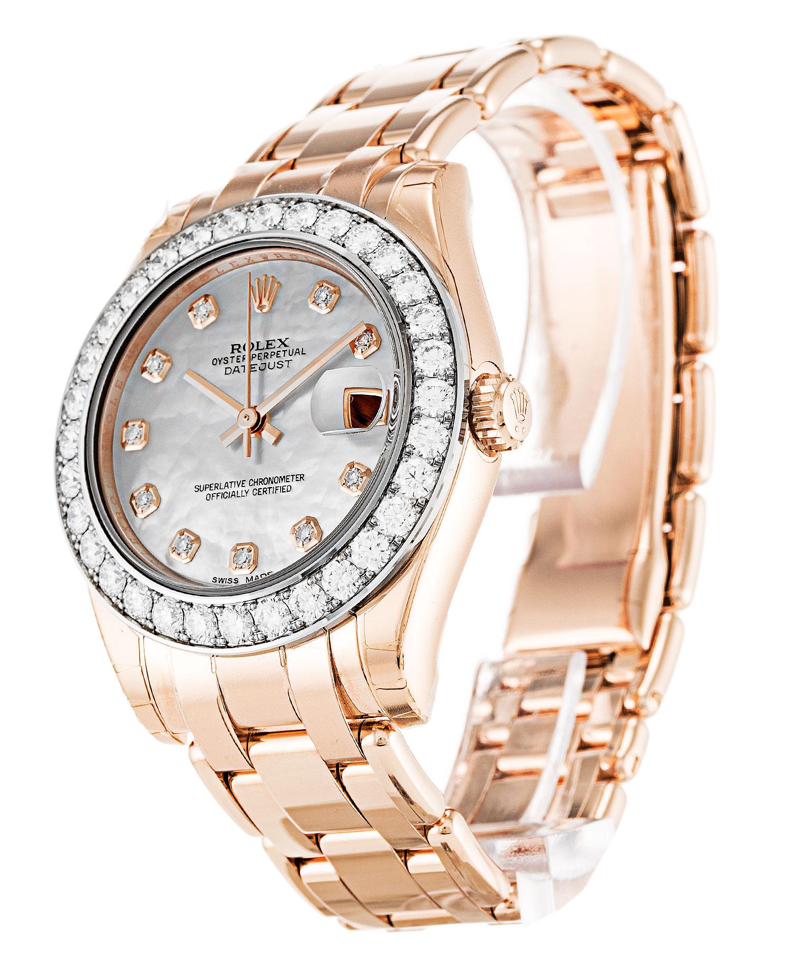 ac65f938ca6 Relógios Rolex Vintage consistem em cristais acrílicos sobre eles e  enquanto muitos podem assumir que o cristal de safira é naturalmente muito  melhor